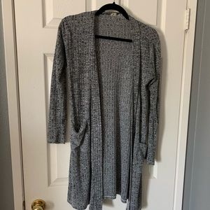 Sweaters - Long gray sweater with pockets